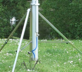 mast on a tripod